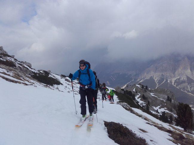 Montée à ski de Pralungia au Setsas.