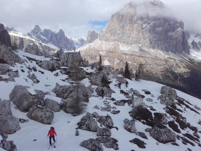 Ski dans le chaos dolomitique des Cinque Torri.