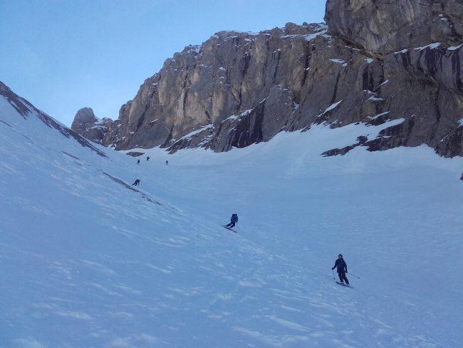 La descente de la Punta Rocca à ski.