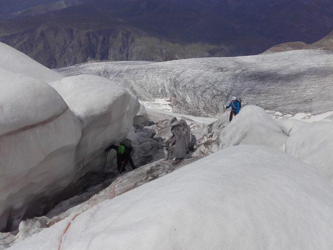 Remontée du glacier de la Girose.