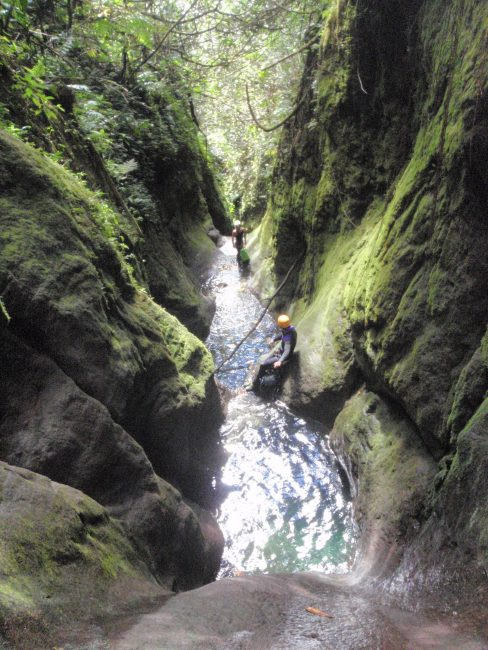 Le canyon de la citerne en guadeloupe.