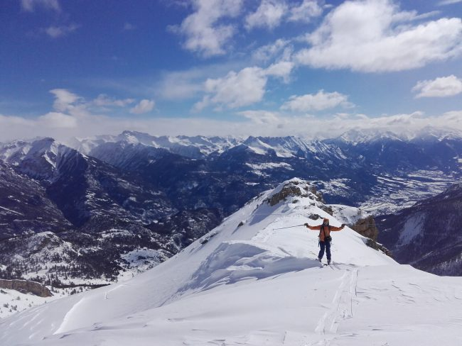 Ski de rando à la tête des Raisins.