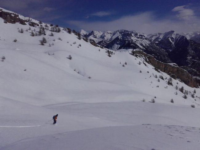 Ski à la tete des raisins.