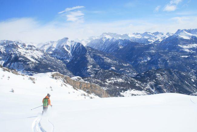 descente à ski de la tete des raisins.