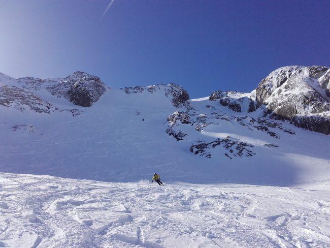 Chirouse centre à la Grave en ski.