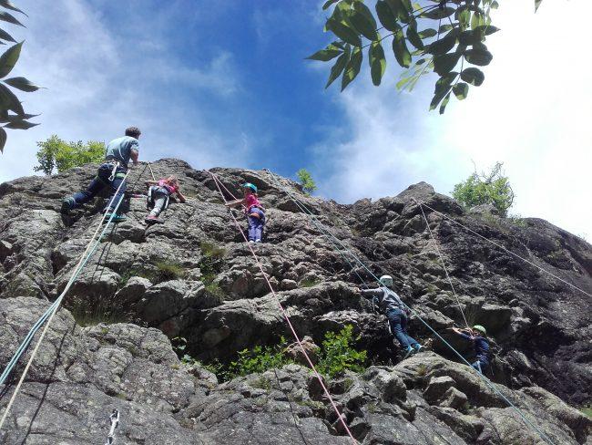 Ecole d'escalade dans la Vallouise.