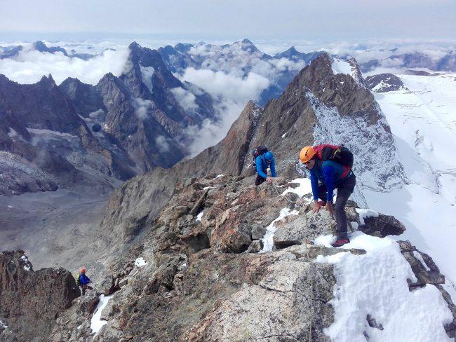 Alpinisme au Rateau avec un guide de haute montagne.