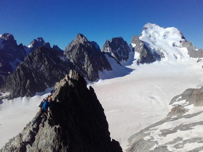 L'arête sud du pic du glacier blanc.