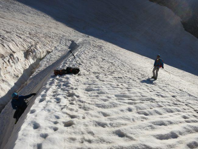 Exercice de secours en crevasse à la Roche faurio.