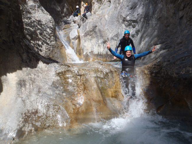 Toboggan dans le canyon des Acles.