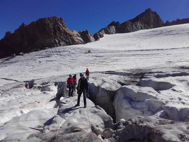 Belles crevasses sur le glacier de la Girose.