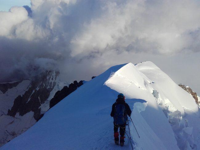 Descente du Mont Blanc vers le refuge du Goûter.