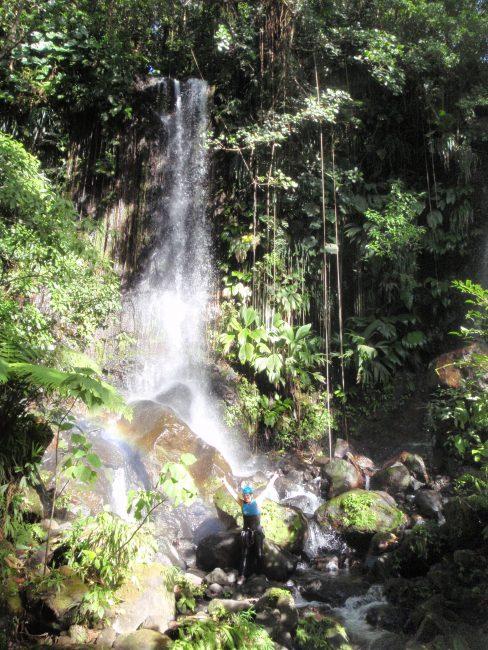 Descente de canyoning en Guadeloupe.