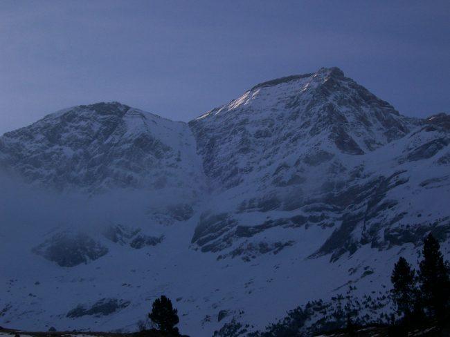 Face Nord des Astapou dans les Pyrénées.