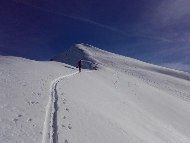 Ski de randonnée à la pointe des Avers.