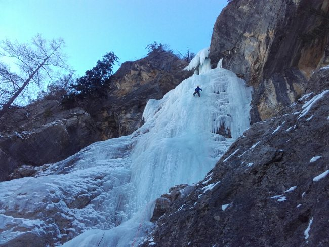 Cascade de glace hiroshima au vallon du Fournel.