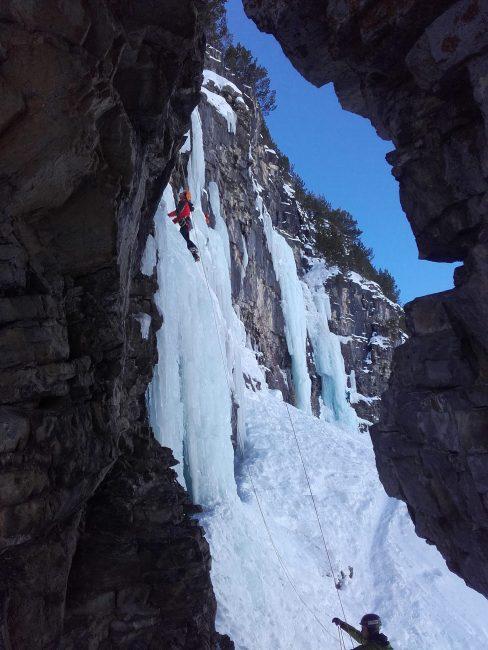 L'arche des cascades de glace de Cervières.