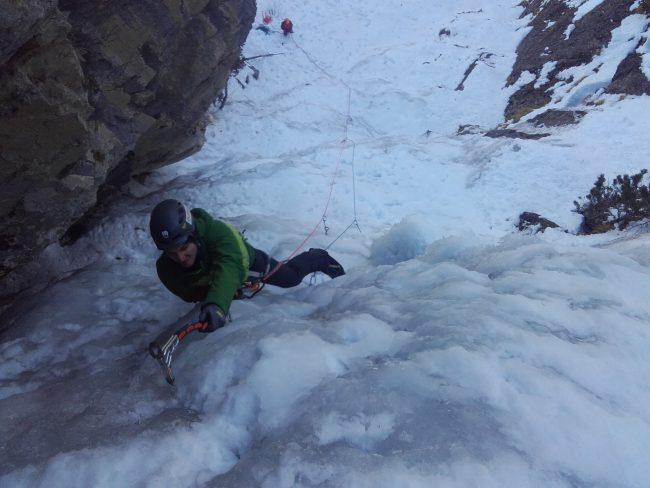 Stage de cascade de glace dans les Hautes Alpes.