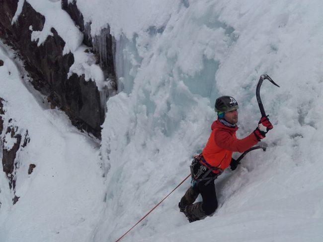 Escalade dans la cascade de glace de Fracastorus.