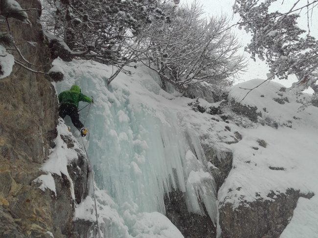 Le mur de glace de soortie du Y de gauche à Ceillac.