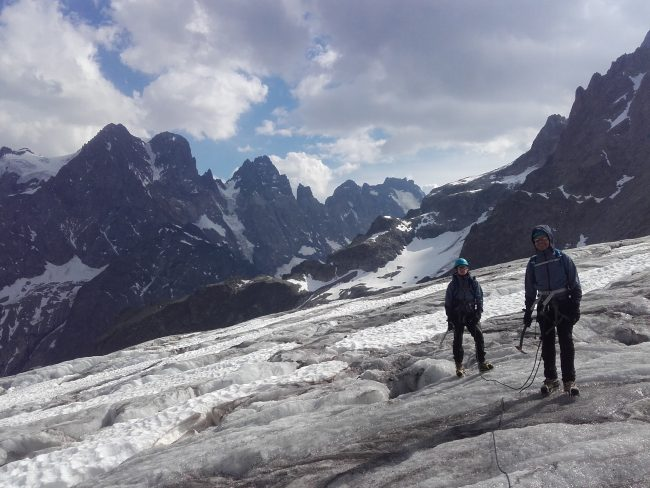 Randonée glaciaire sur le glacier blanc.