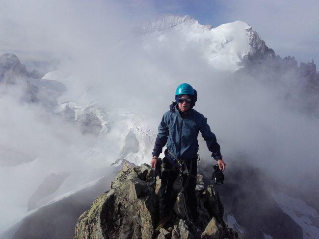 Le sommet de la Roche faurio et la barre des Ecrins.