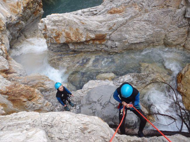 Rappel à la fin du canyon du Fournel.