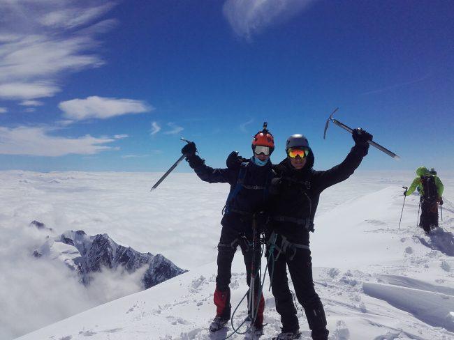 Sommet du Mont Blanc et belle ambiance.