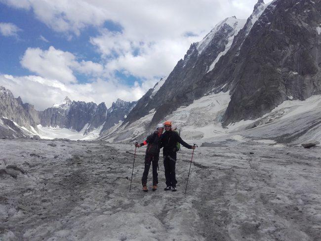 Retour dans la vallée sur le glacier d'Argent!ère.