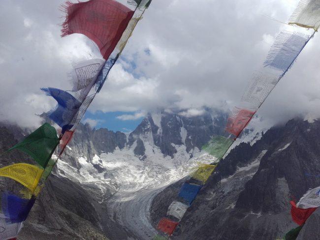 Stage alpinisme et course d'arête dans le massif du Mont Blanc.