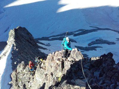 L'arête sud du pic du Glacier Blanc est une des belles courses d'arête des Ecrins.