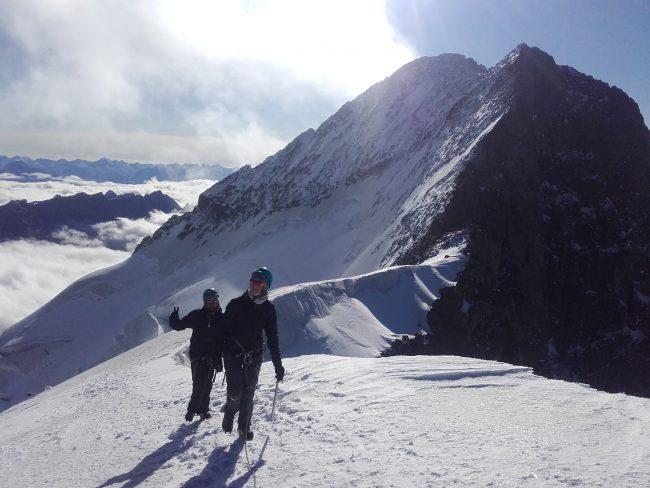 Nous arrivons au sommet du Dôme des Ecrins.