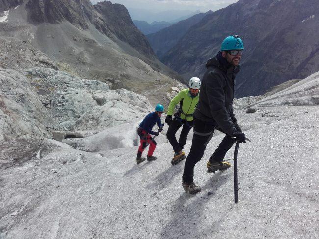 Ecole de galce sur le glacier Blanc fin août 2017.