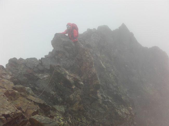L'arête sommitale de la Roche Faurio dans la tempête.