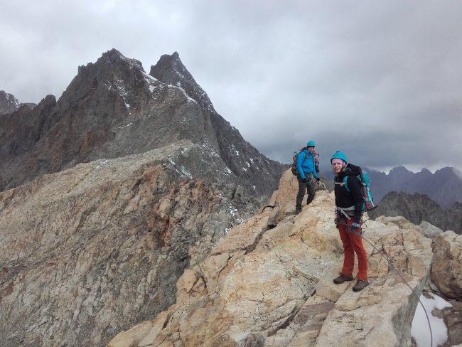 Arête avec le pic du Glacier Blanc et le pic de Neige Cordier derrière.
