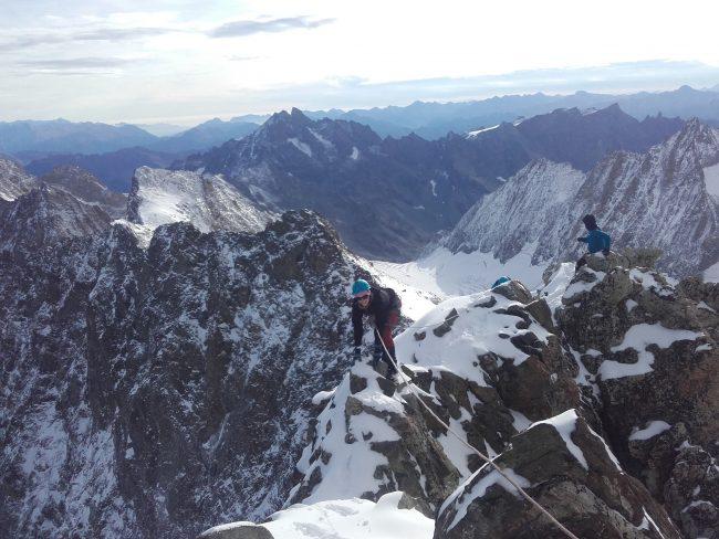 Nous arrivons bientôt au sommet de la Roche Faurio.