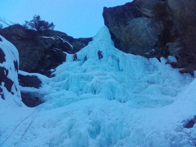 La première longueur de la cascade de Lillaz.