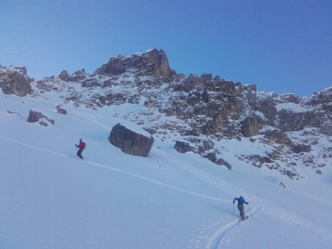 Ski de randonée à l'Aiguillas au dessus de Freissinières.