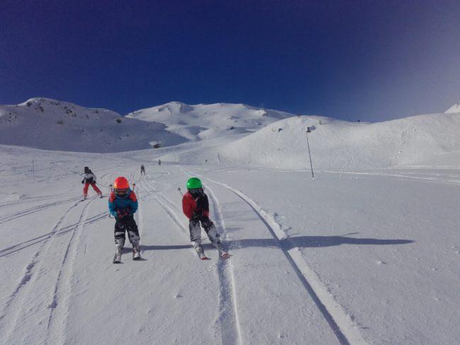 Ski à Serre chevalier pour les vacances de février avec l'école buissonière.