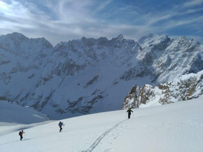Ski sur le glacier supérieur des Agneaux.