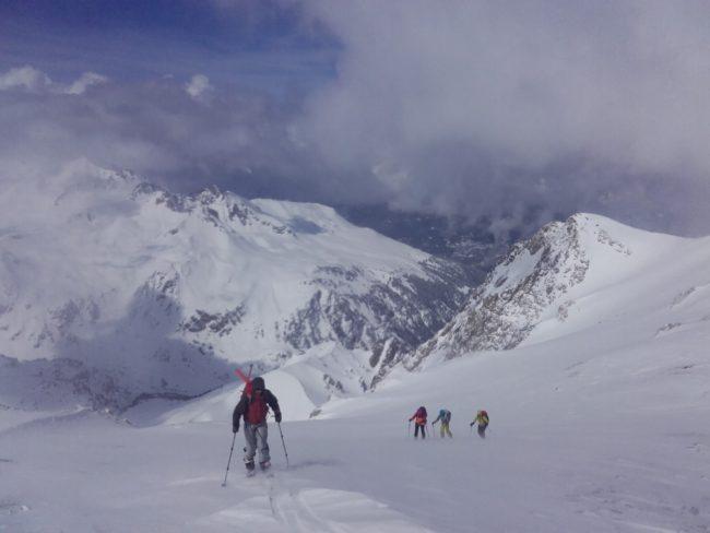 Arrivée en ski de rando au Grand Argentier.