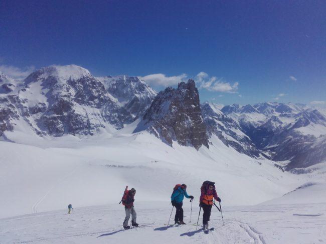 Montée au Thabor en ski avec la Riche Bernaude et la pointe Balthazar.
