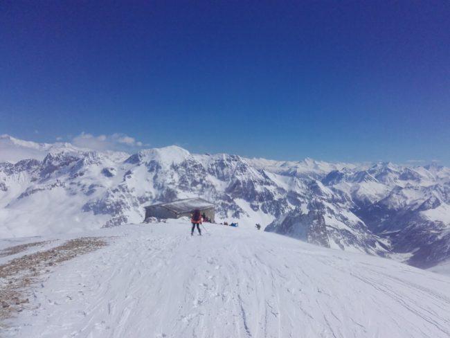 Ski de rando à la chapelle du Mont Thabor.