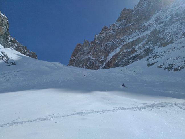 Ski sur le glacier de la Grande Ruine.
