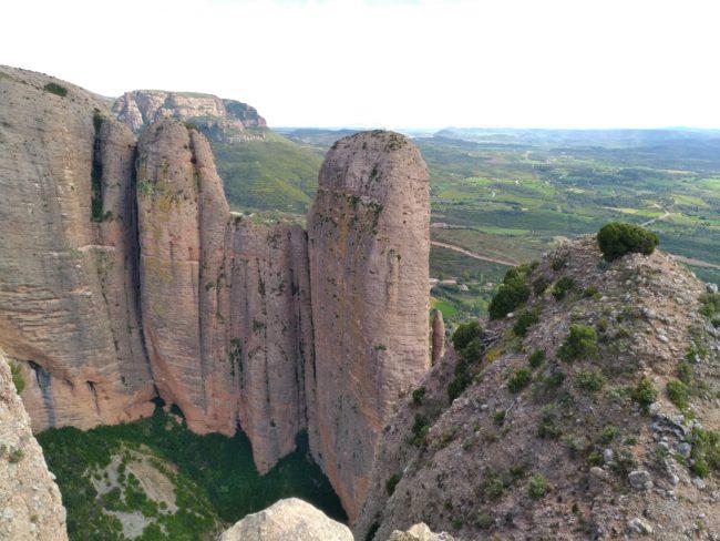 La belle vue du sommet du Fire sur le Pison de Riglos.