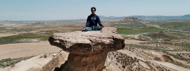 Méditation dans les Bardenas.