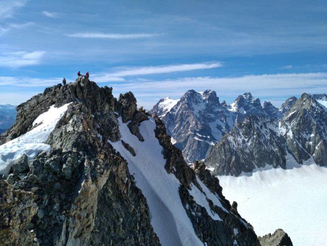 Le sommet du Piuc du Glacier Blanc et le Pelvoux, le pic Sans Nom.