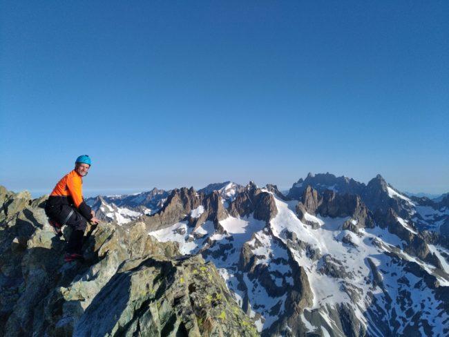 Pas loin du sommet de la Roche faurio avec la Grande Ruine et la Meije en fond.