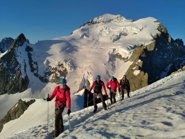 Venez découvrir l'alpinisme à la Roche Faurio.