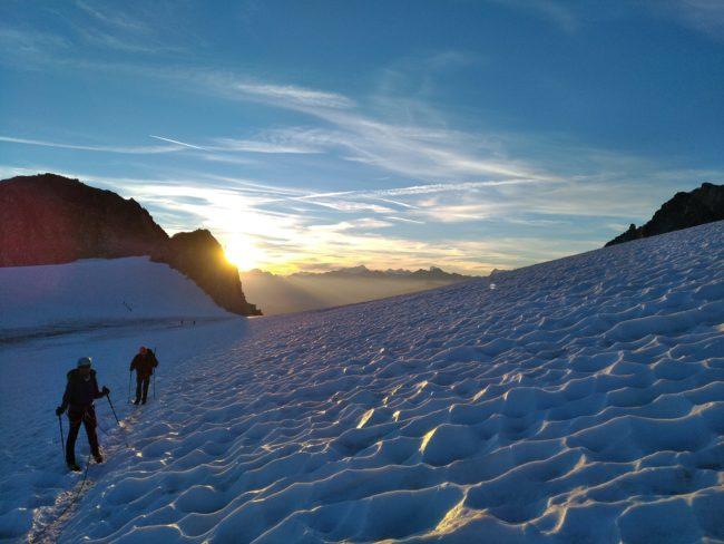 Superbe lever de soleil sur le glacier de Trient.